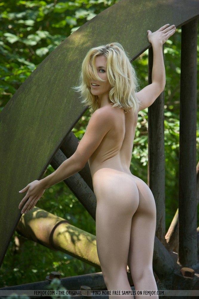 girls nude Valkyrie