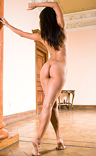 Erotikom.com and FEMJOY Pure Nudes present Serious curvy dancing poses by the Dancing Queen, long haired Ksusha. And her long legs would give you dancing Dreams! Gallery by Demian Rossi for FEMJOY in 16 photos.