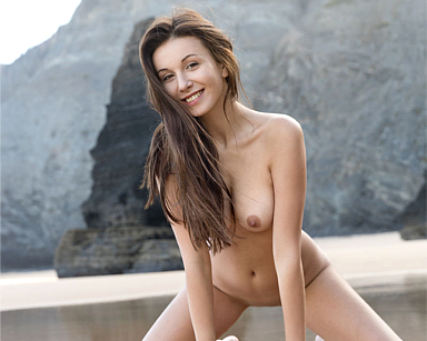 Femjoy Alisa I., the SuperModel in A Perfect Day for going out nude at the beach and walk so nicely! Photography by Stefan Soell for this Femjoy Gallery with 16 pictures, sponsored for Erotikom