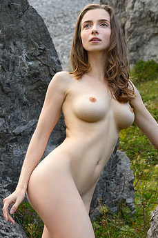 FEMJOY Mariposa in Peak Experience, photos by Stefan Soell